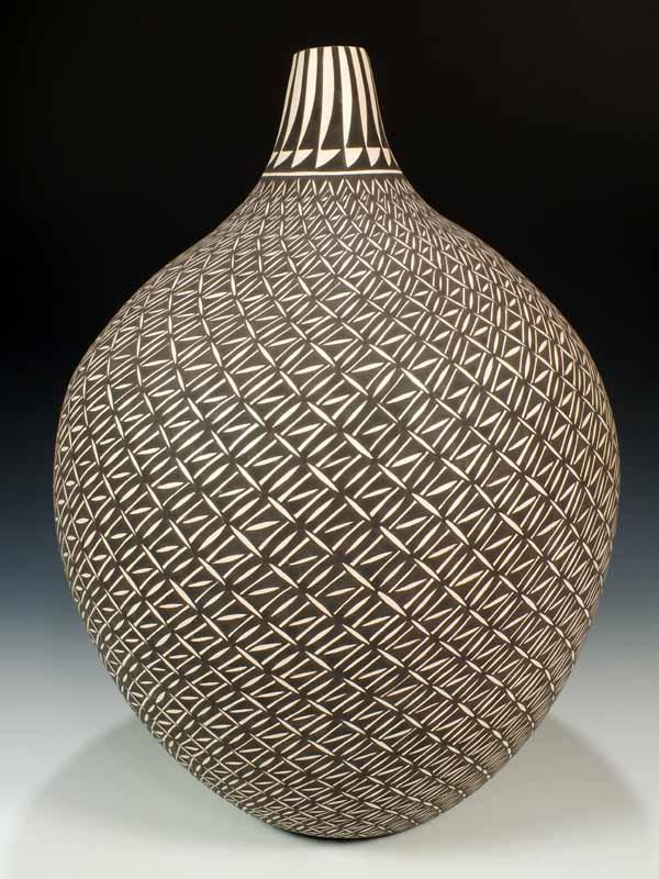 Acoma Pottery, CLETUS VICTORINO