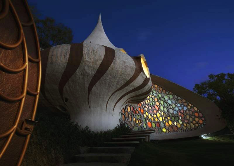 The Nautilus House by Javier Senosiain - The Exterior