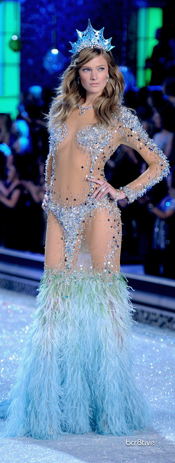 Victorias secret fashion show 2011 - Victoria Secret Fashion Show 2011 New York Constance Jablonski