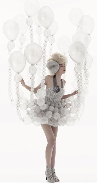 Daisy Balloon for RICH Magazine