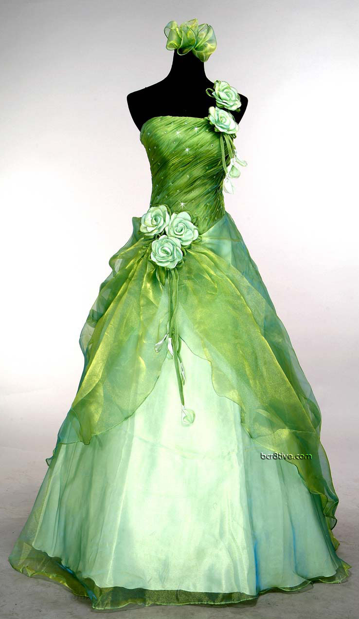 Green Wedding Gown - Found this in more than one place but available for sale from http://www.ebay.com/itm/Evening-Gown-Prom-Ball-Wedding-veil-Dress-green-SIZE6-8-10-12-14-16-Freeshipping-/190680379795