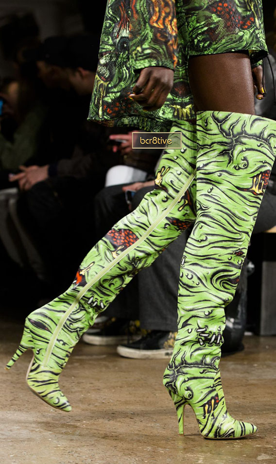 Jeremy Scott Fall 2013 - AP Photo/John Minchillo