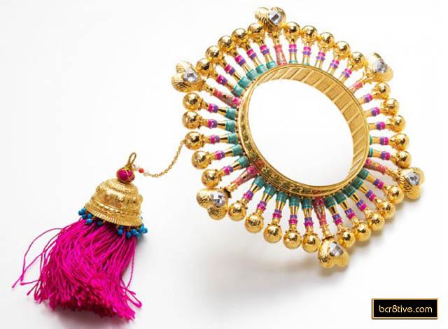 05-queen-hearts-bangle