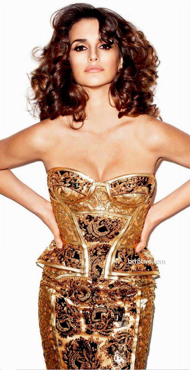 Penelope Cruz in Versace - Harpers Bazaar