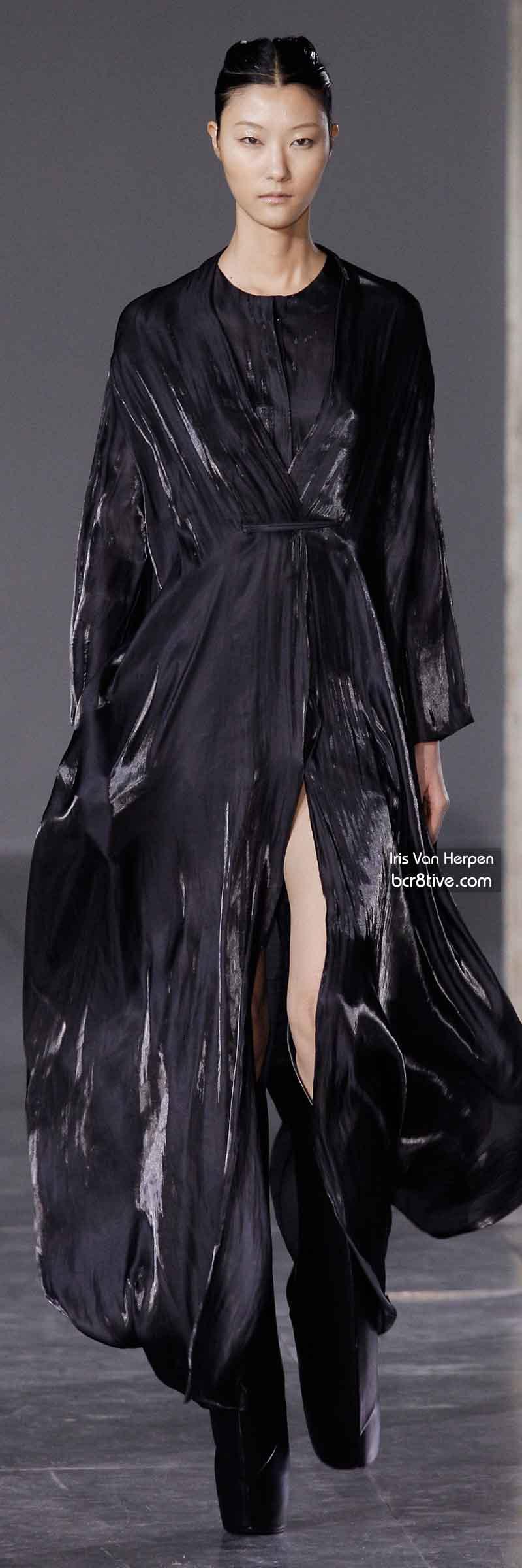 Iris Van Herpen FW 2014 #ParisFashionWeek
