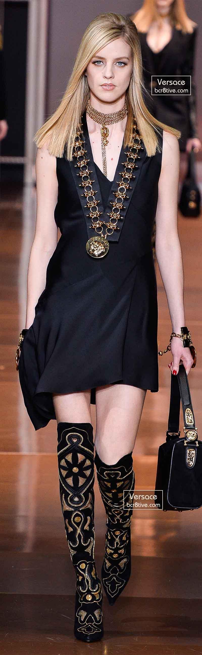 Versace Fall 2014 - Julia Frauche