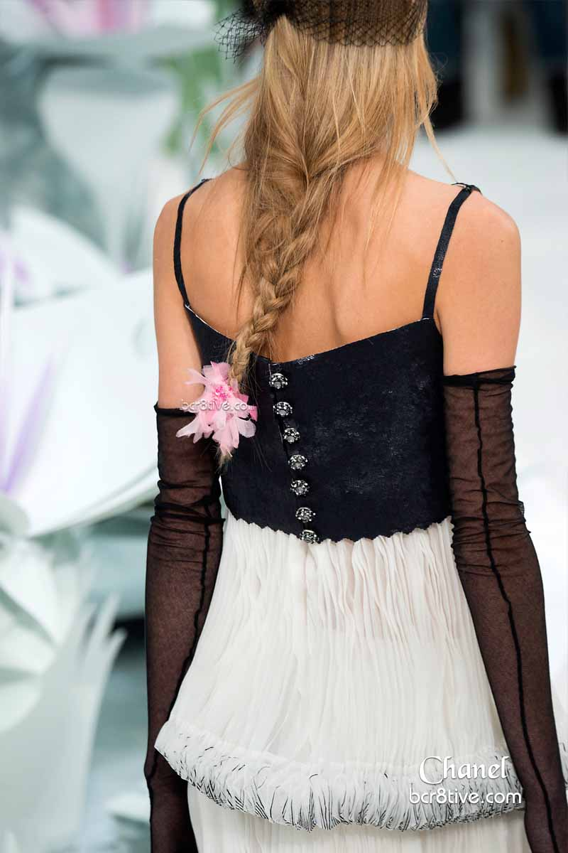 Chanel Spring 2015 Couture Button Back Detail